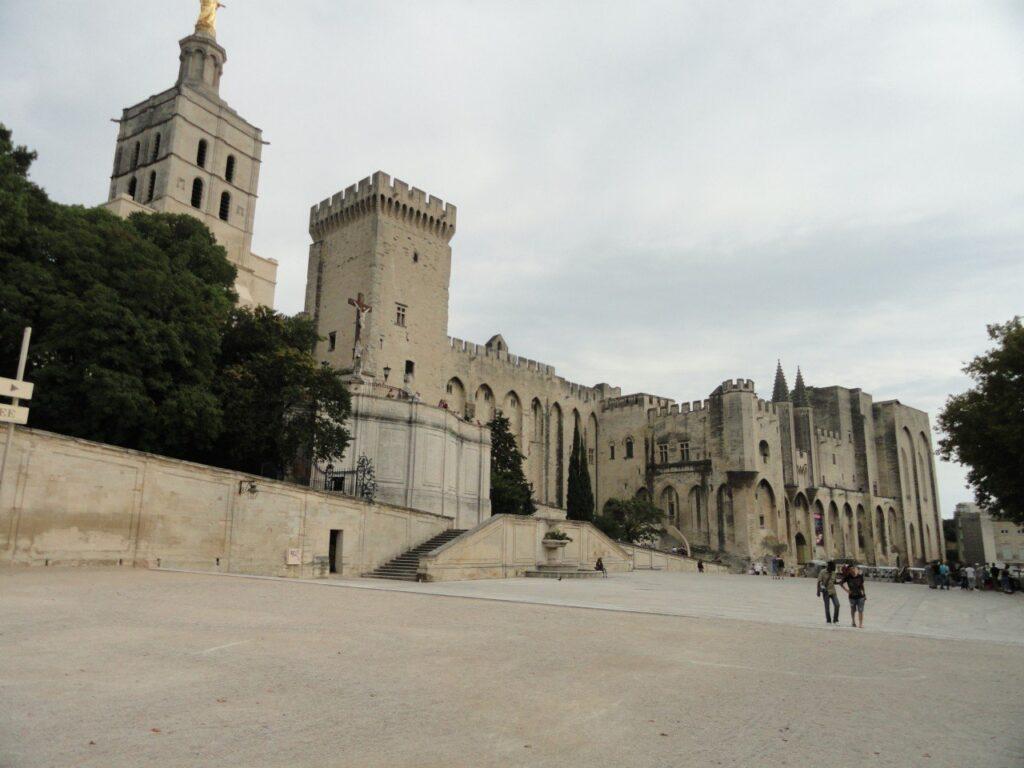 palazzo papi avignone