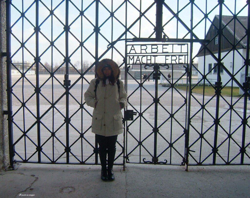 il lavoro rende liberi visita al campo di concentramento di dachau campo concentramento germania