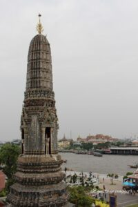 vista dal wat arun visitare il wat arun tempio dell'alba bangkok
