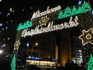 munich marienplatz mercatini di natale di monaco di baviera germania mercatino natale germania