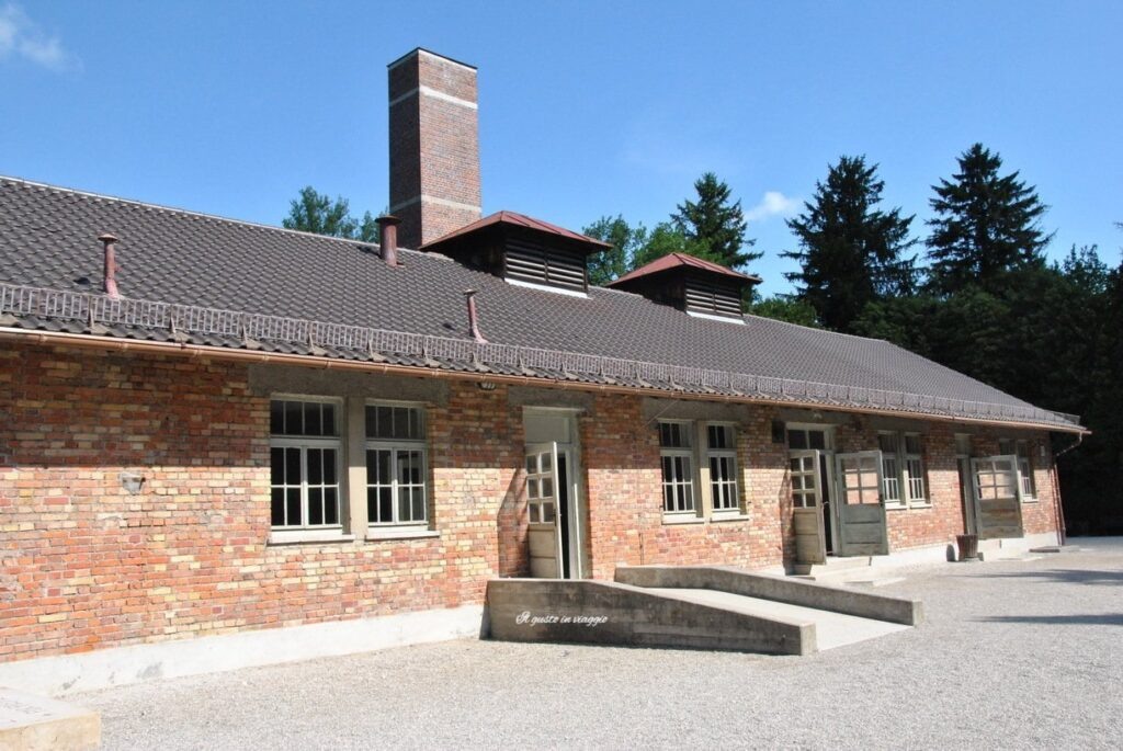 visita al campo di concentramento di dachau germania forno crematorio