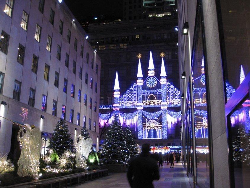 10 cose da fare a New York sacks fifth avenue new york vetrine di natale di new york