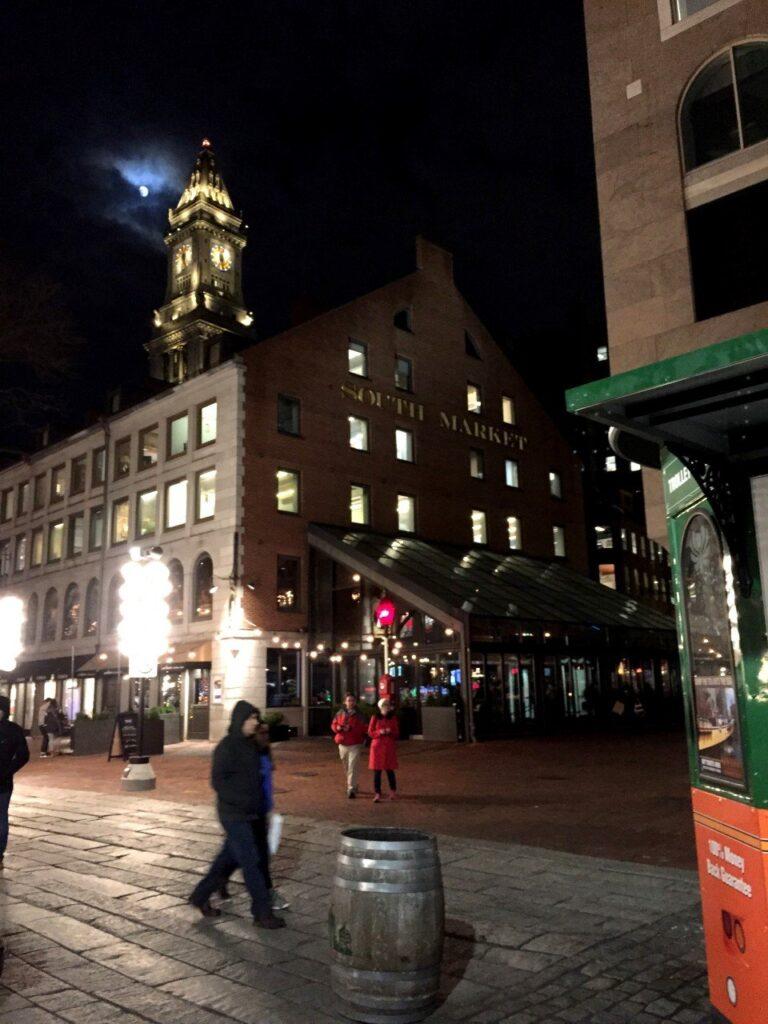 north market boston, faneuil hall boston, cosa comprare al quincy market