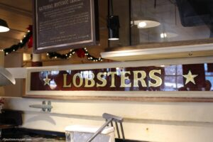 mangiare la clam chowder a boston union oyster house lobster pool