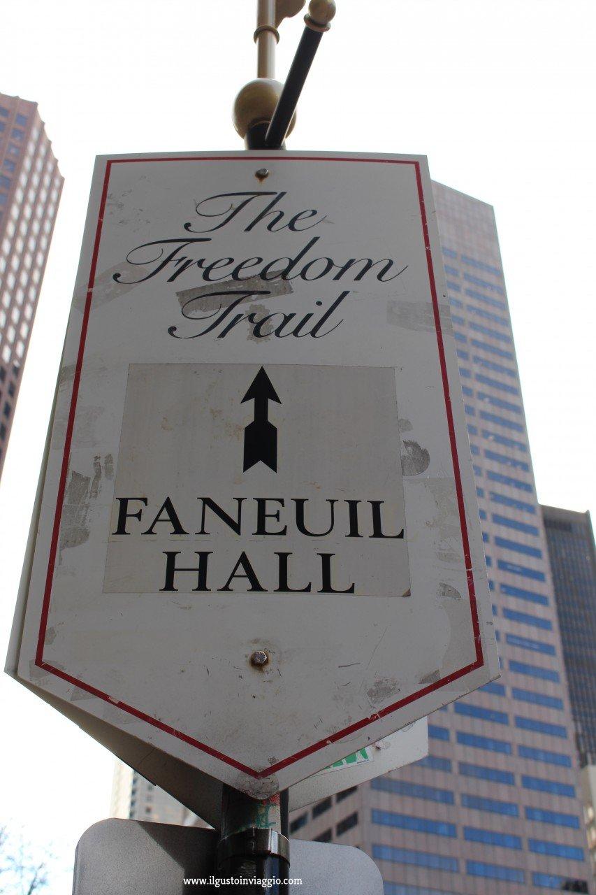 freedom trail boston, cosa comprare al quincy market, faneuil hall, boston, freedom trail