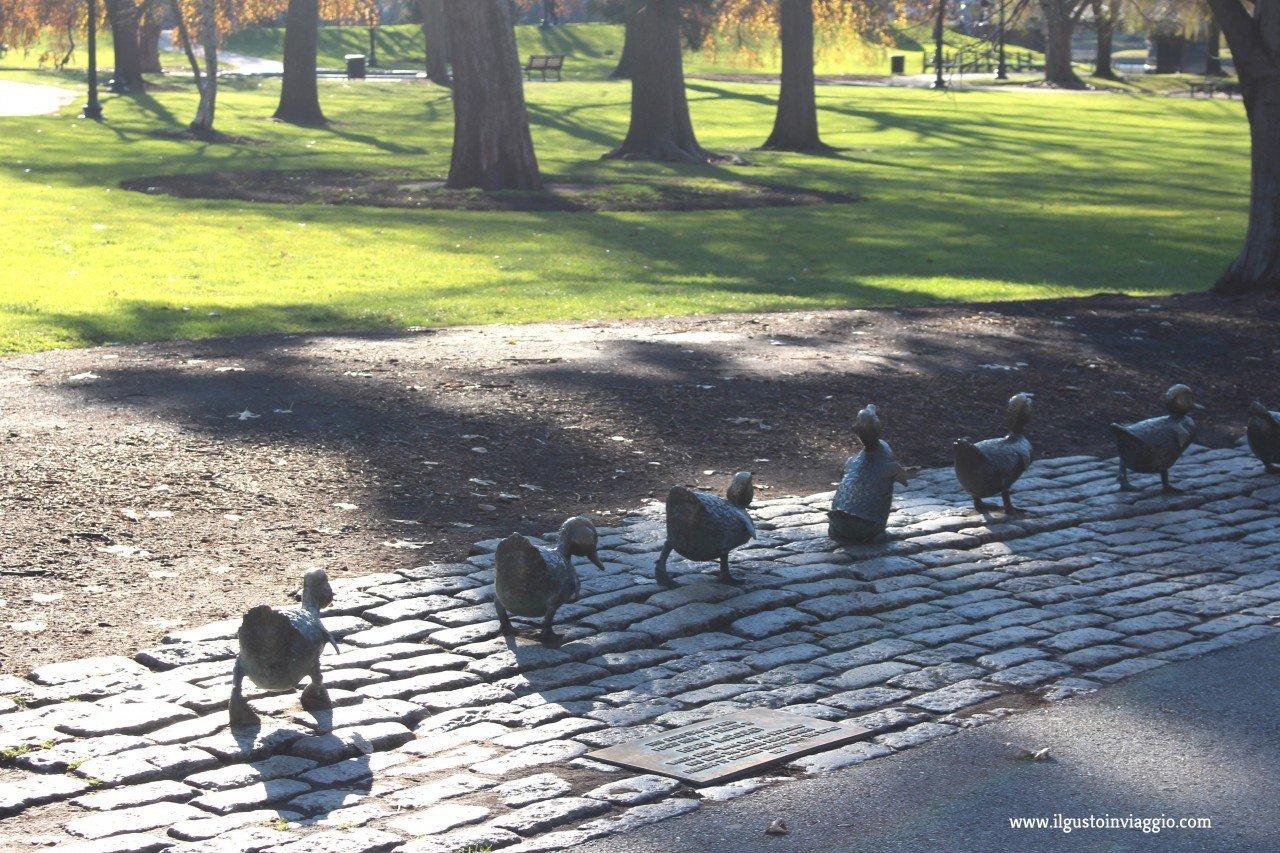 boston con i bambini, passeggiata al boston common park di boston, boston park, duck boston,