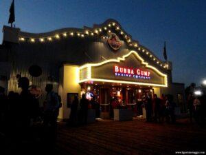 spiaggia di santa monica, bubba gump santa monica pier, bubba gump california