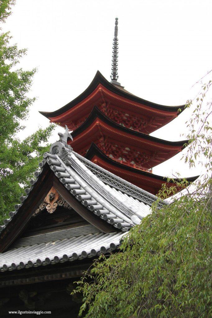 pagoda itsukushima, miyajima fai da te