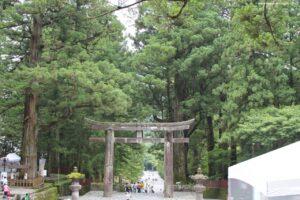 visitare il toshogu nikko, torii nikko