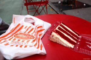 red velvet cheescake, red velvet, juniors cheesecake, migliore cheesecake di new york