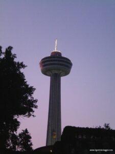 Canada orientale con i bambini,canada skylon tower, niagara falls