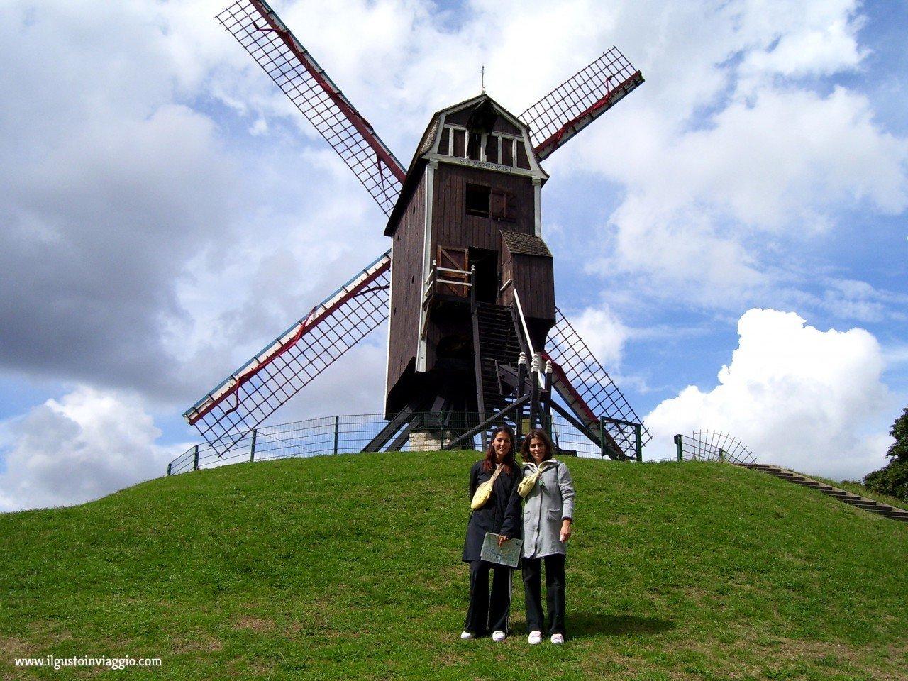 mulini a vento a bruges, sint janshuismolen mulini vento belgio