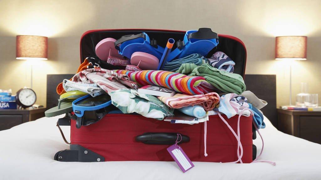 valigia per un viaggio in malesia, valigia buffa