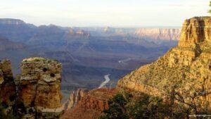 colorado river, visitare il grand canyon, grand canyon
