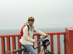 golden gate bridge in bicicletta, rent bike san francisco