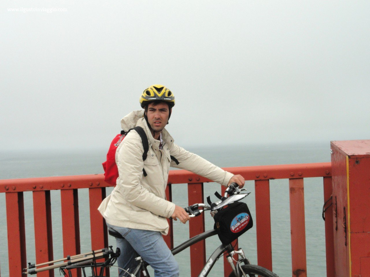 golden gate bridge in bici, rent bike san francisco