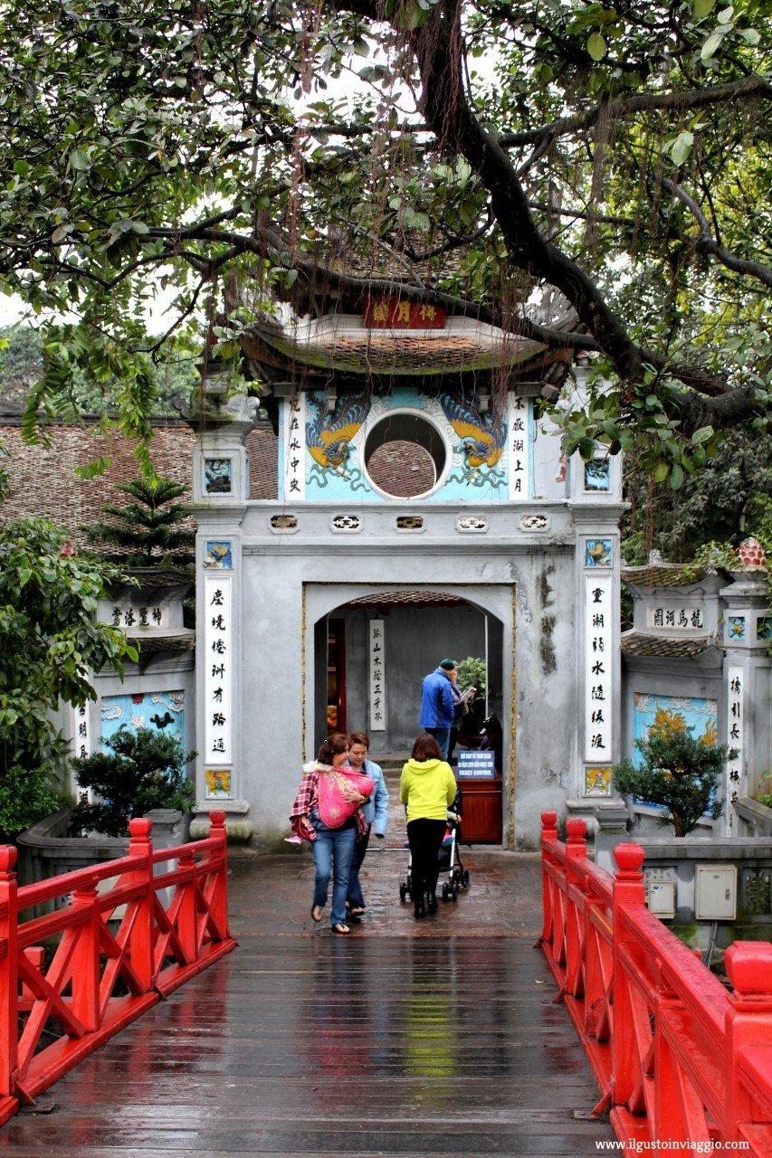 tempio hanoi ngoc son, tempio della spada restituita hanoi, due giorni ad hanoi, hanoi lago h