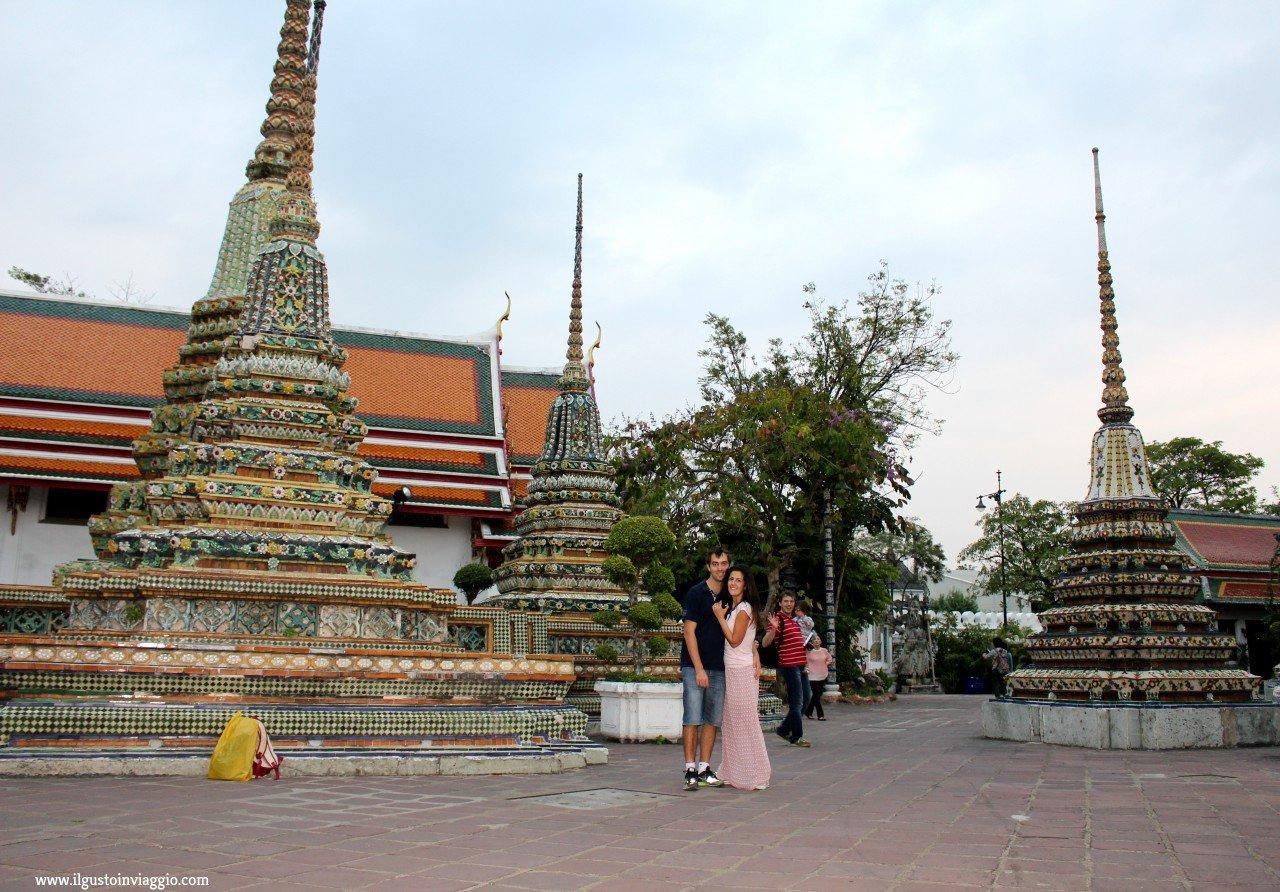 buddha sdraiato del wat pho, wat pho bangkok, thai massage bangkok
