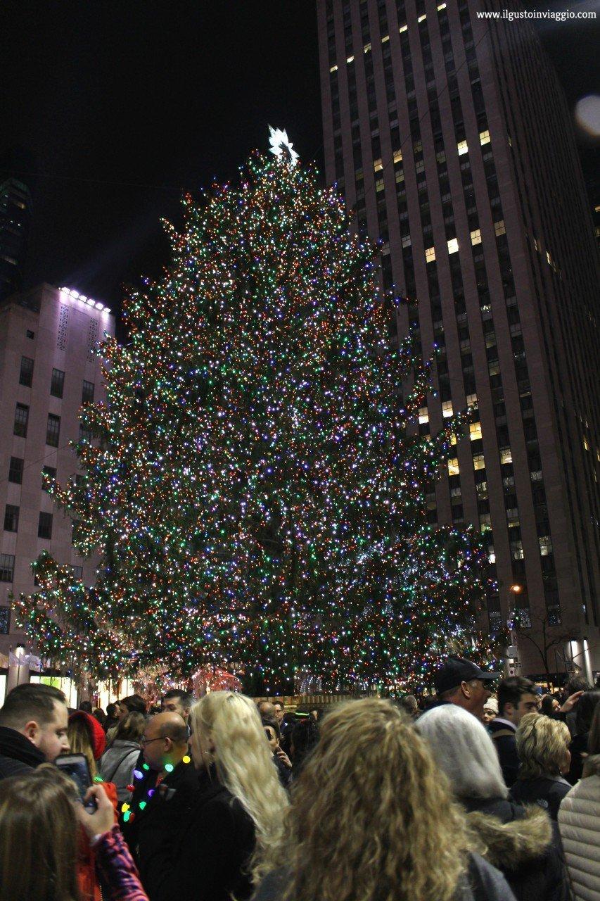 albero di natale del rockefeller center, rockefeller center christmas, cosa fare a new york a natale gratis,