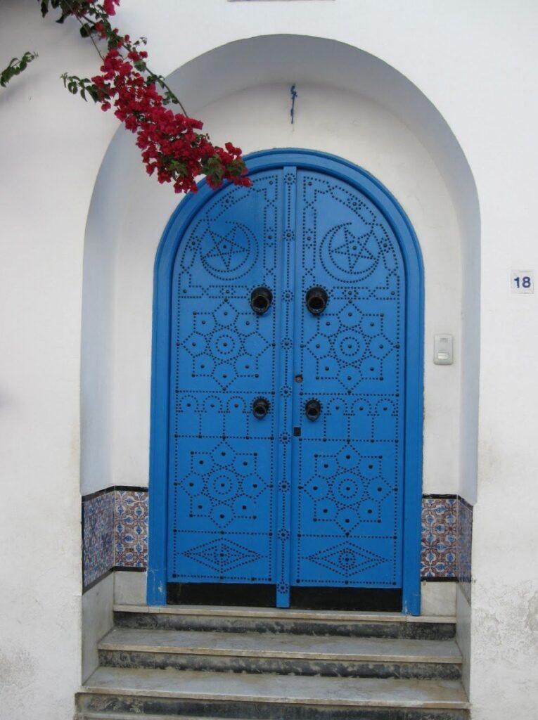 portone sidi bou said, un giorno a sidi bou said, porta blu tunisia