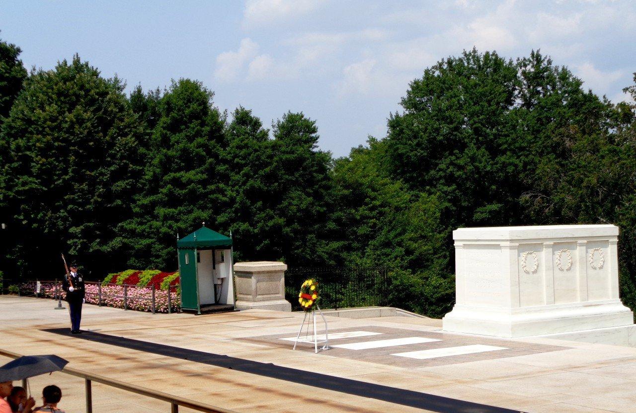 tomba milite ignoto arlington, visita al cimitero nazionale di arlington