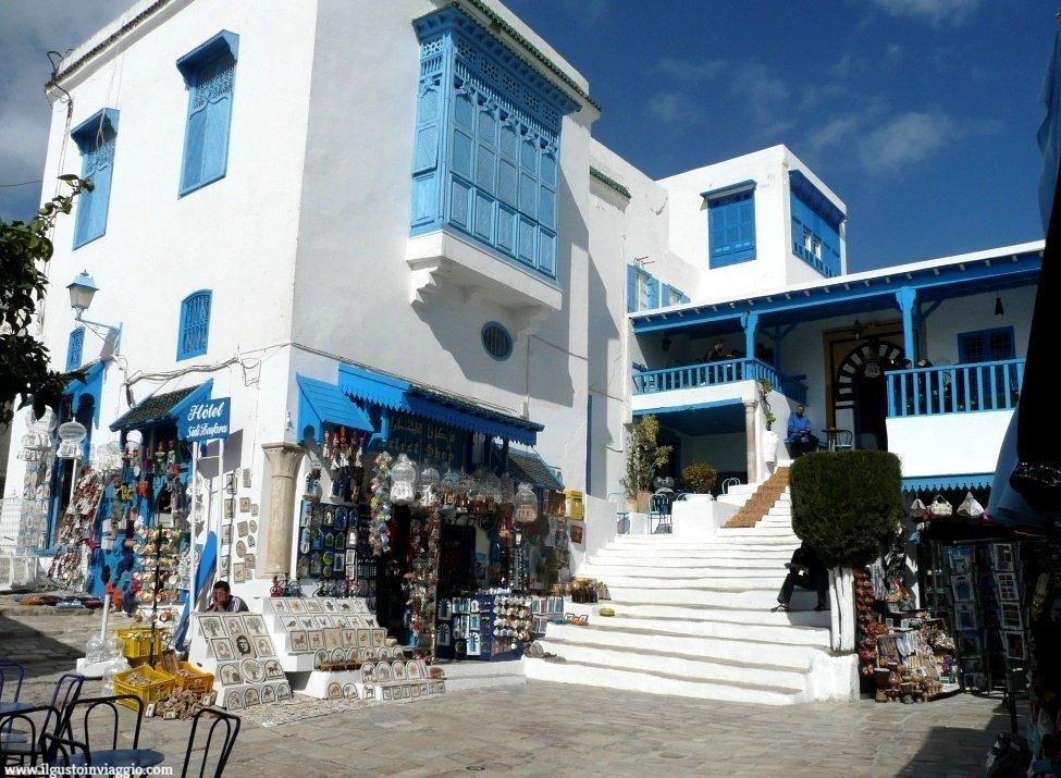cafe de nattes, sidi bou said, tunisia, the ai pinoli e menta, un giorno a sidi bou said