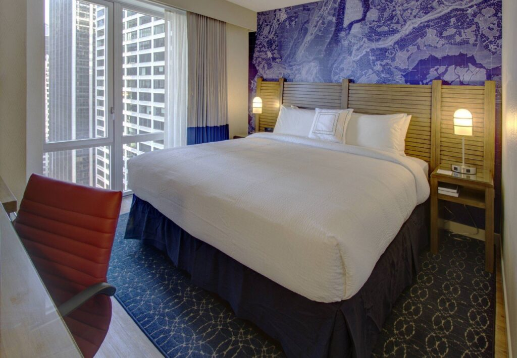fairfield inn marriot new york, king room marriot new york, quanto costa un viaggio a new york a natale