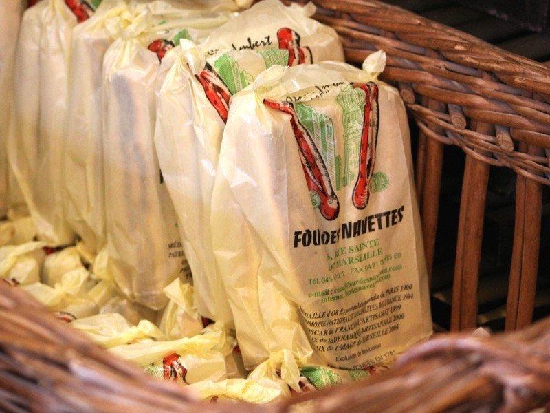 four des navette marsiglia, navette di marsiglia, dolci provenza, dolci marsiglia