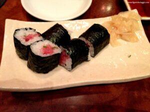 cosa mangiare in giappone, nigiri, onigiri,