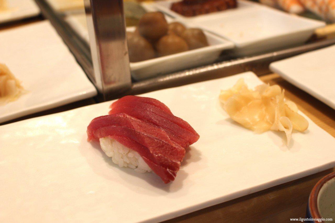 cosa mangiare in giappone, nigiri, tuna nigiri