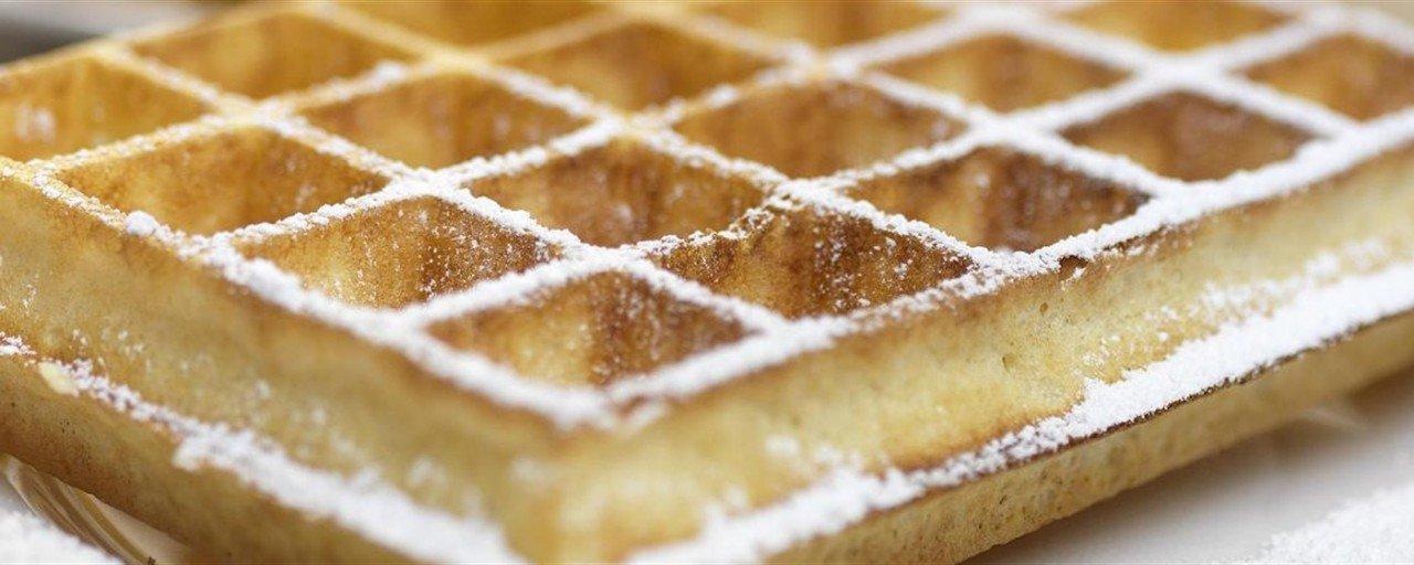 waffles ai frutti di bosco, cialde di bruxelles, waffle