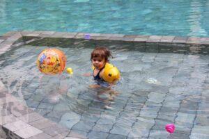 quanto costa un viaggio in cambogia con i bambini, pool sakmut hotel, dove dormire a siem reap con i bambini