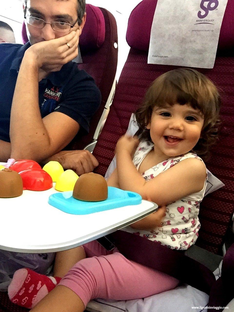 thai airways e bambini