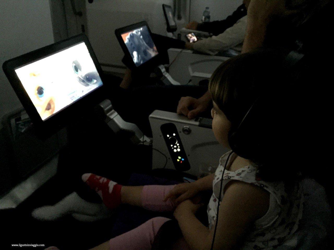 thai airways e bambini, thai airways intrattenimento