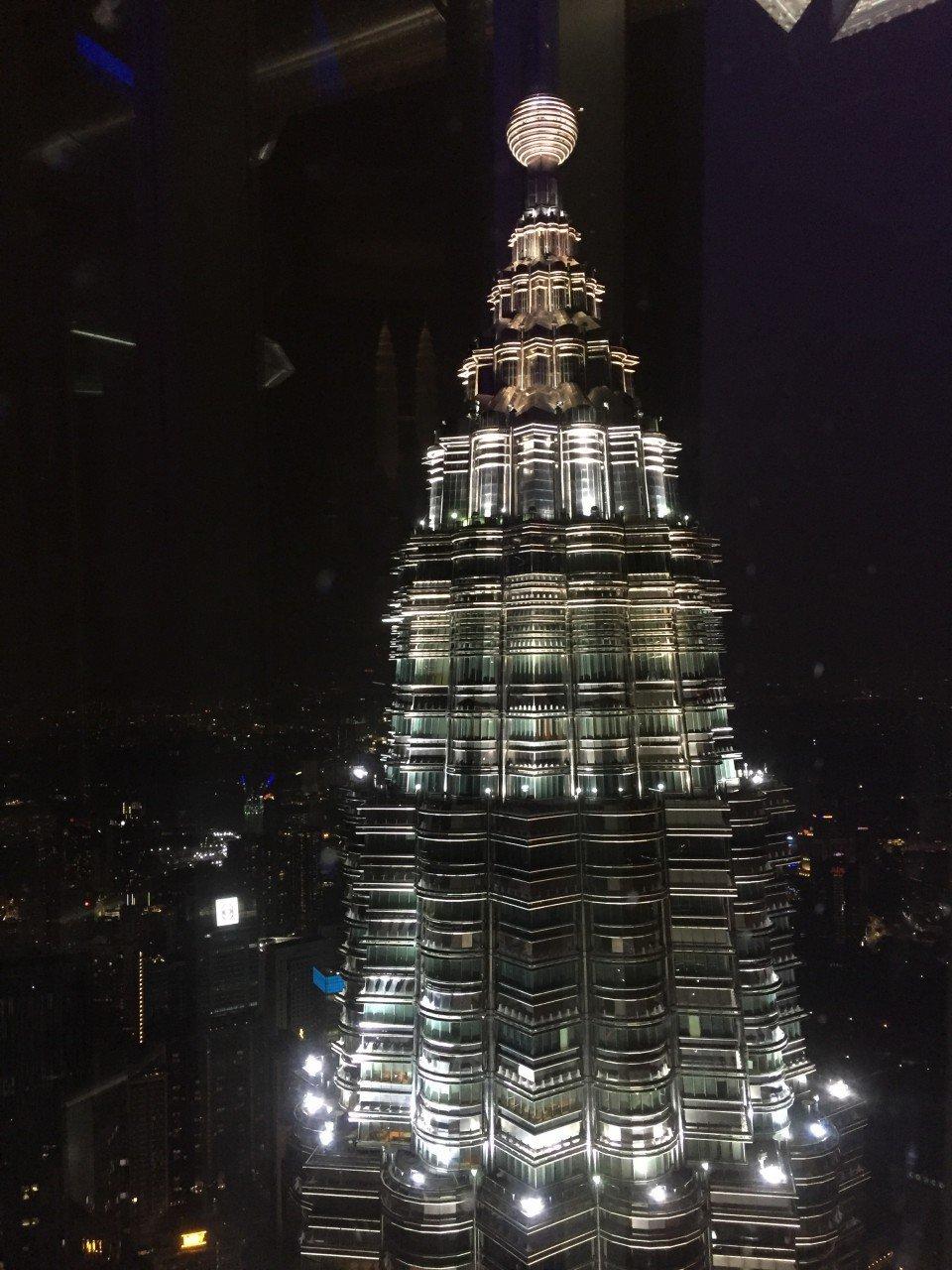 visitare le petronas towers, petronas twins towers notte