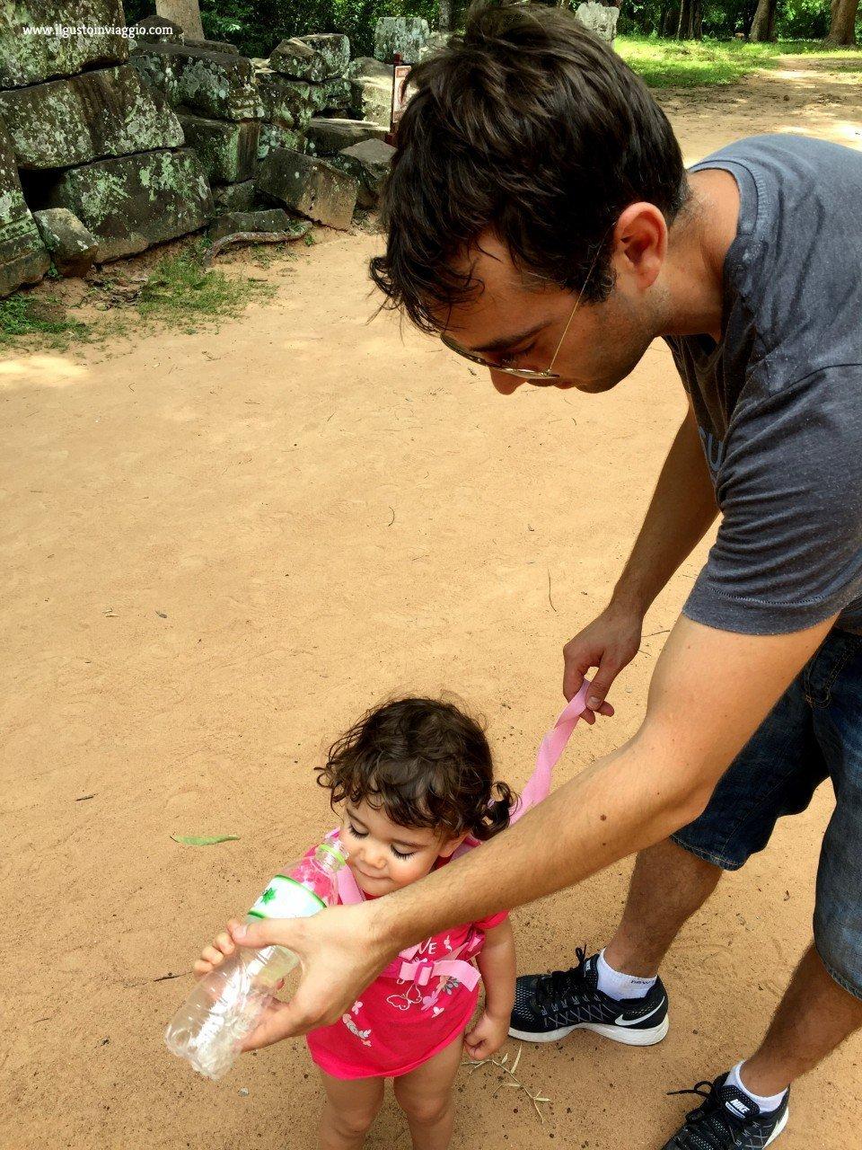 angkor wat con i bambini