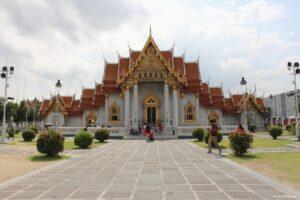 visitare il Wat Benchamabophit tempio di marmo di bangkok