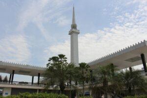 minareto, kuala lumpur, visitare la moschea masjid negara