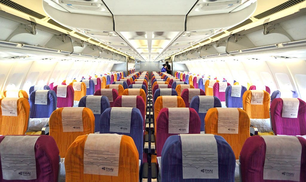 thai airways e bambini, interno aereo thaiairways