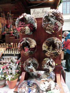 mercatini di natale di budapest, mercatini natale, ghirlande