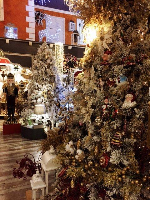 christmas decorations, il regno di babbo natale a cura di vetralla, christmas tree