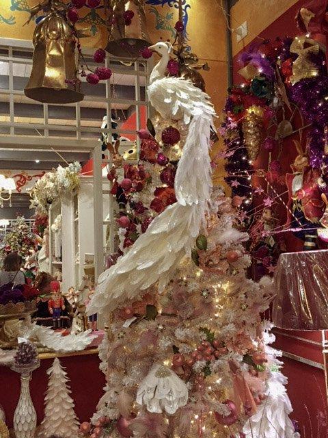 pavonenatale, pavone rosa, flamingo, christmas decoration, il regno di babbo natale a cura di vetralla
