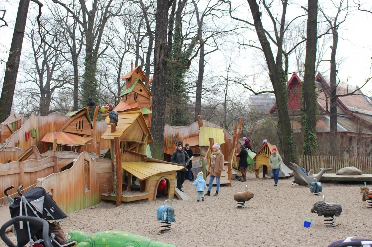 visitare lo zoo di berlino, playground berlino