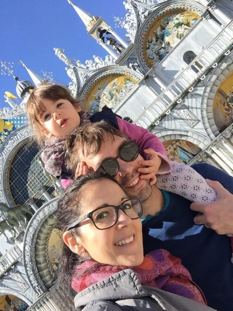 italia in miniatura con bambini