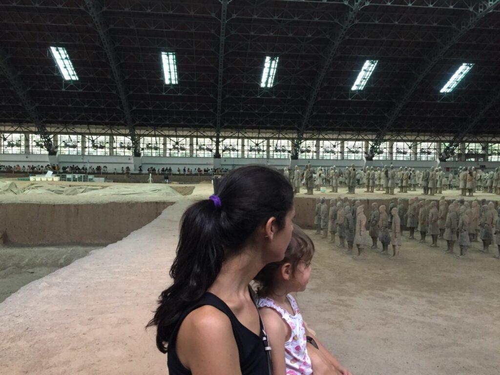 esercito terracotta con i bambini